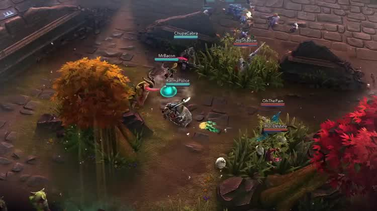 Deluxe MOBA Action On Mobile
