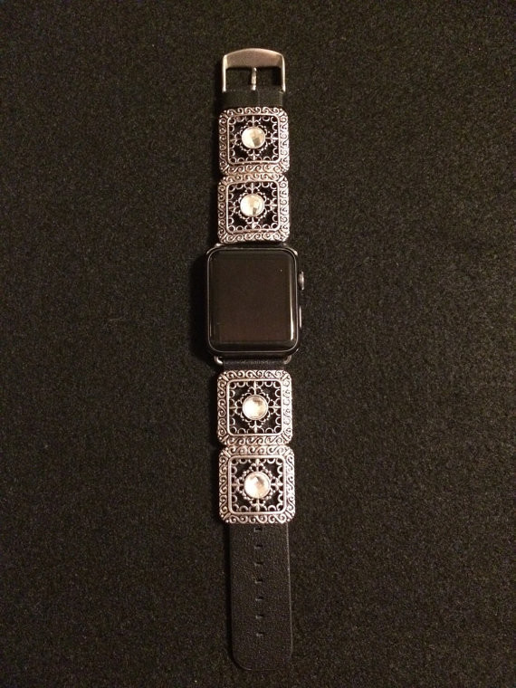 Bling your Apple Watch with AppleCharmers