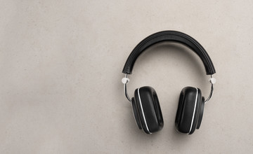 The B&W P7 headphones remain among the best on the market
