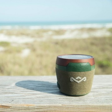 The stylish Chant Mini portable speaker offers great sound quality