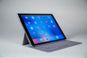 Own an iPad Pro? You should definitely pick up Apple's 29W charger