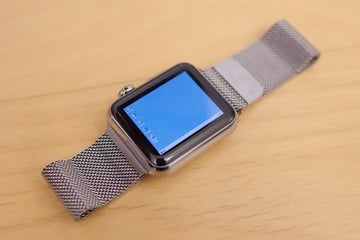 Guess What? Developer Ports Windows 95 to an Apple Watch