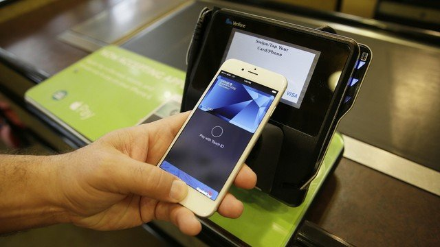 Moody National Plus 25 Other U.S. Banks Jump on the Apple Pay Bandwagon