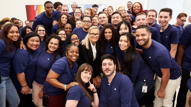 Angela Ahrendts Attended the Opening of Apple's World Trade Center Store