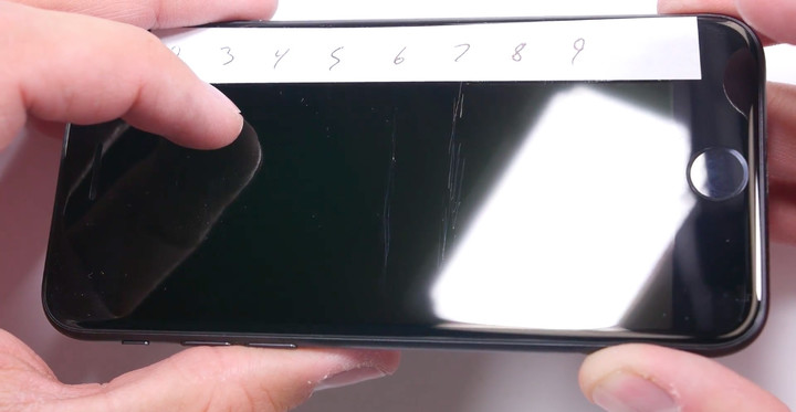 iPhone 7 Durability Display