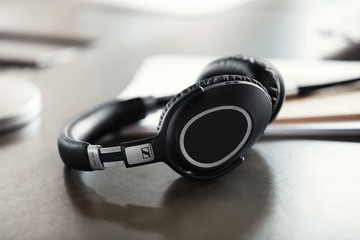 Are the Sennheiser PXC 550 Wireless Noise Cancelling Headphones Worth Buying?