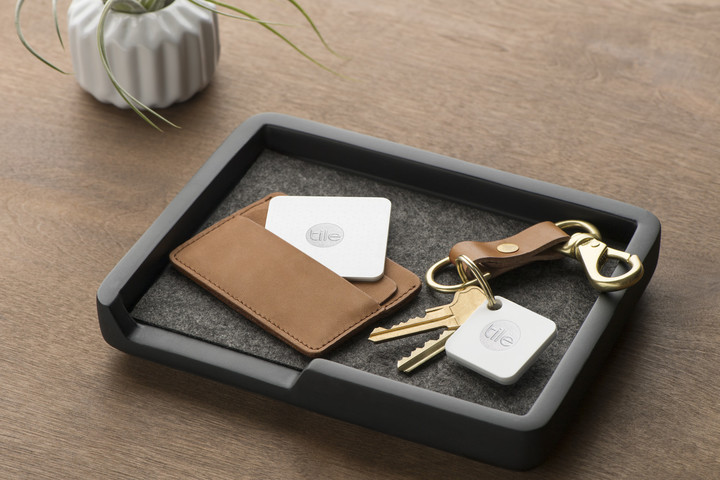 The Tile Slim on the left is designed fit in smaller spaces like a wallet while the Mate can be placed pretty much anywhere.