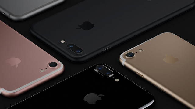 Apple's iPhone Sales Drop for the Third Consecutive Fiscal Quarter