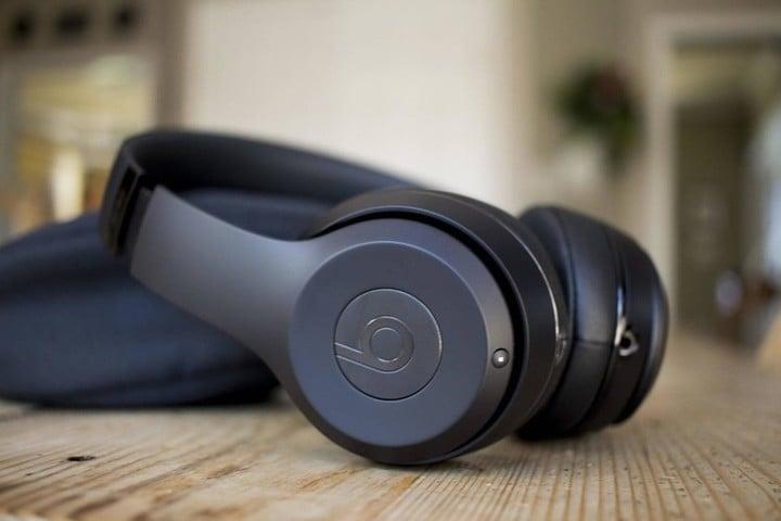 345b39804e9 beats solo 3 962ed37feadd32b3f37535e907fbb520 m - The Best Wireless  Headphones for iOS Users