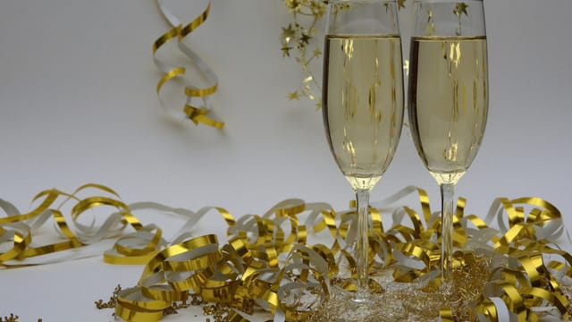 Ring in the New Year with Festive Apps for iOS