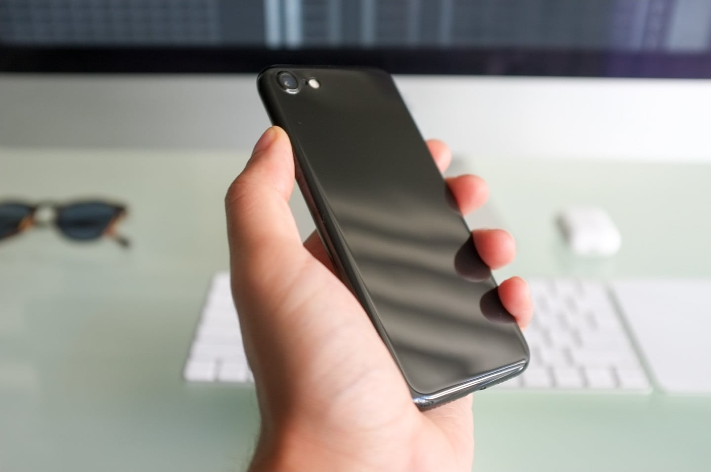 iPhone 7 Jet Black Hand