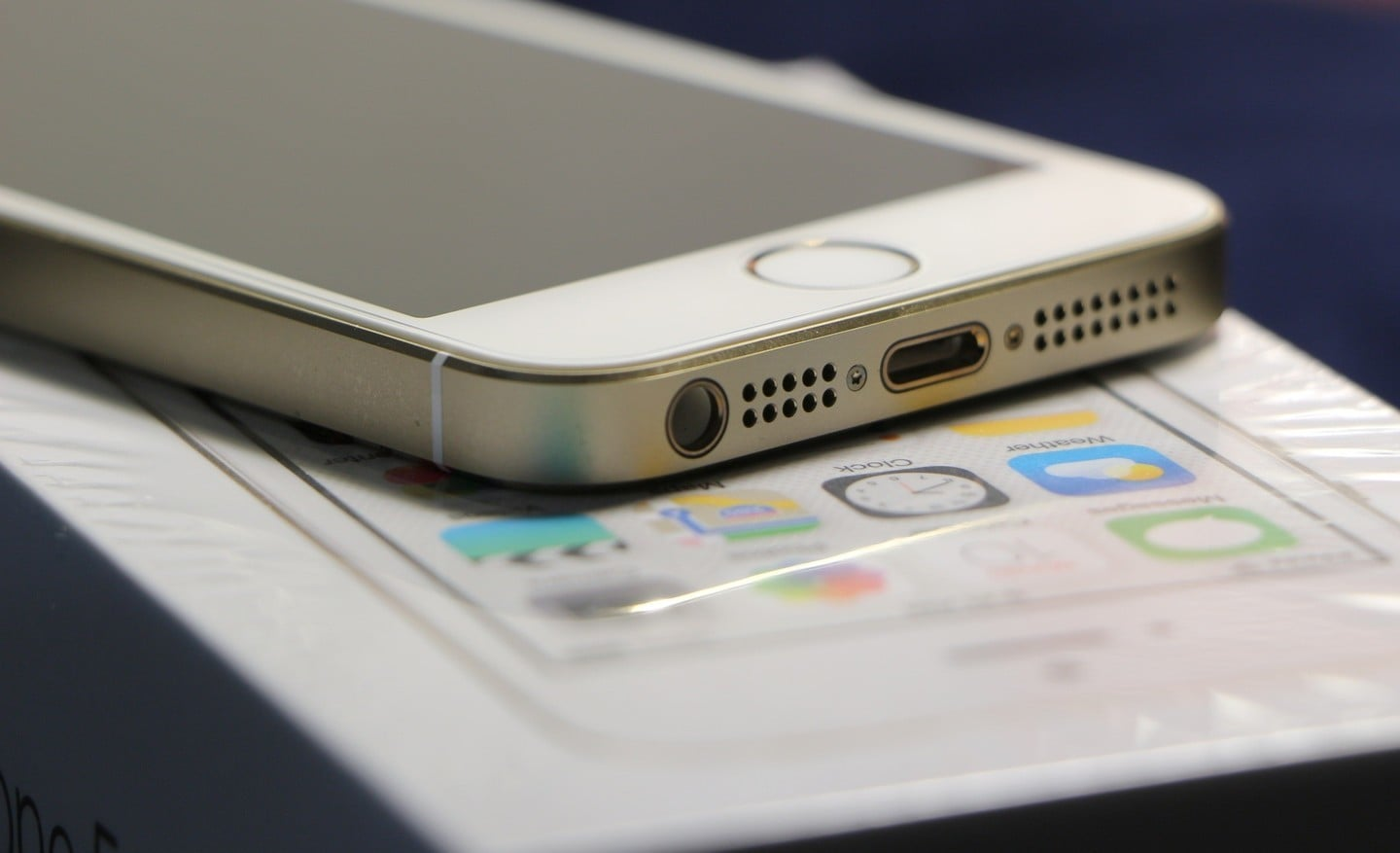 Was the iPhone 5 the biggest holiday gift this year?