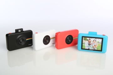 Print Photos Instantly With Polaroid Snap Touch Camera