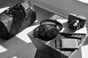 MW60B-95 Wireless Headphones: Iconic Leica Look, Same Great Sound