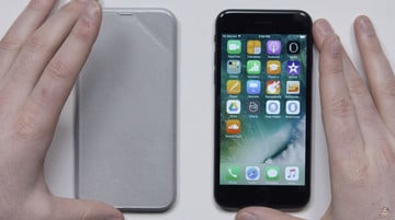 Video: Hands on with iPhone 8 Mock-Up